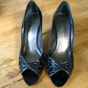 Gianni Bini Black Leather Slipper Heels!